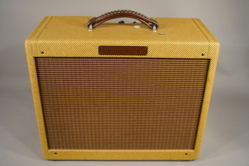 Victoria USED! Victoria 20112 Tweed Combo Amplifier.