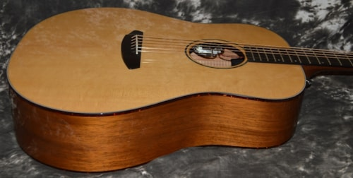 Breedlove Premier Dreadnaught Mahogany