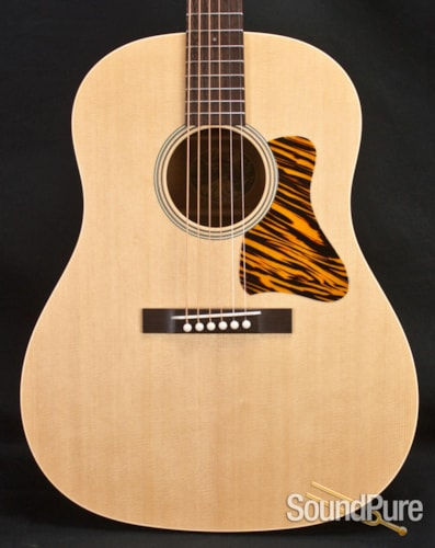 Collings Guitars CJ35