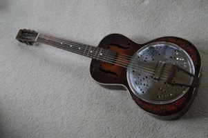 1940 Del Oro parlor resonator