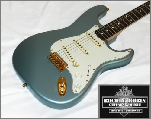 1996 Fender® Cunneto Era Custom Shop Strat®