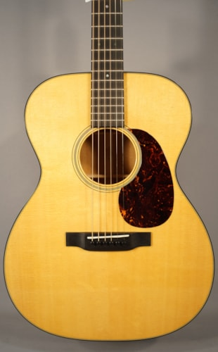 2015 Martin Guitars NEW! 2015 Martin 000-18 Acoustic Guitar With Case!