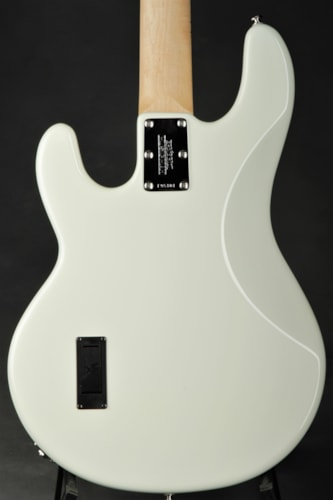 ERNIE BALL MUSIC MAN Stingray - White/Spring Sales Event