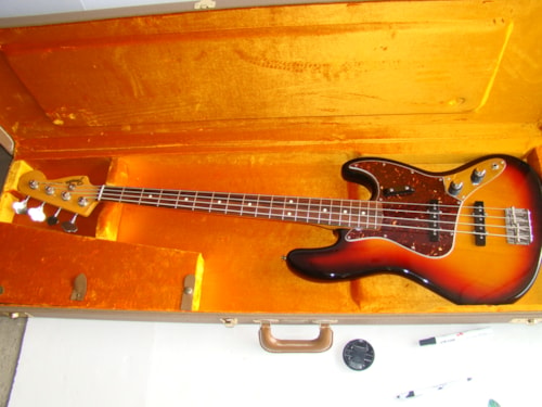 Fender® 62 RI Jazz Bass®