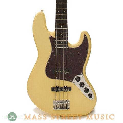 2015 Fender® Deluxe Active Jazz Bass®