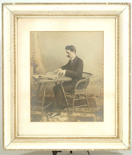 1800 PHOTO: SEATED MAN WITH ZITHER