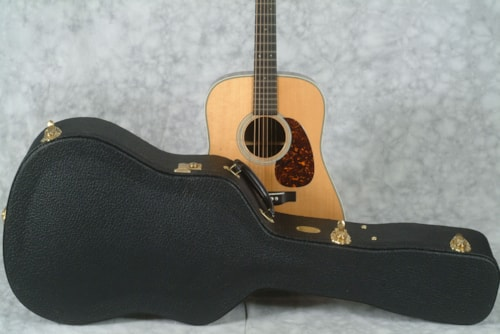 2017 Martin D-28 AUTHENTIC 1941 & CASE with VTS & VINTAGE GLOSS FINISH