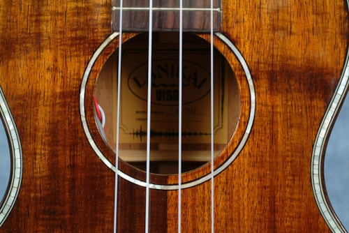 2017 LANIKAI UkeSB KOA TENOR USB EQUIPPED UKULELE