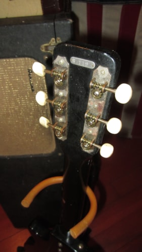 ~1961 Airline 7214 Amp in Case