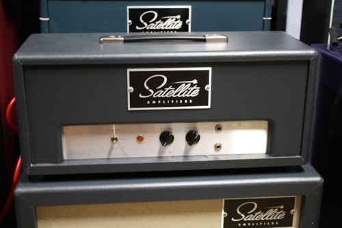 Satellite Amps Atom Head