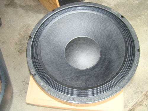 Eminence/B=52 18 in. Sub Woofer, 8 OHMS, 600 Watts