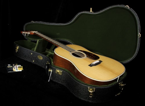 2015 Martin Used 2015 Martin D-28 Authentic 1931 Dreadnought Acoustic Guitar Vintage Gloss