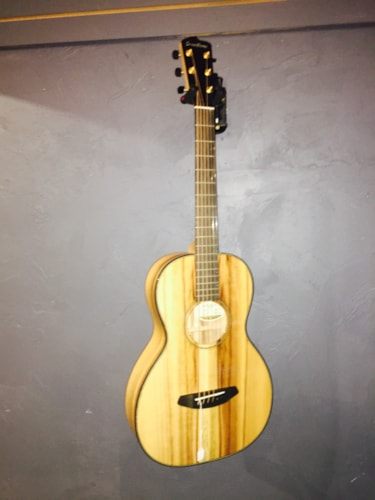 2015 Breedlove Oregon Parlor Limited Edition