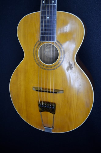1916 The Gibson L1