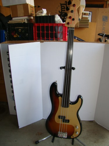 2014 Fender® 57 RI Precision Bass® Fretless (Japanese) (See Description)