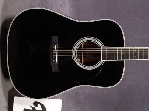 2016 Martin D-35 JOHNNY CASH SPECIAL EDITION GUITAR & CASE