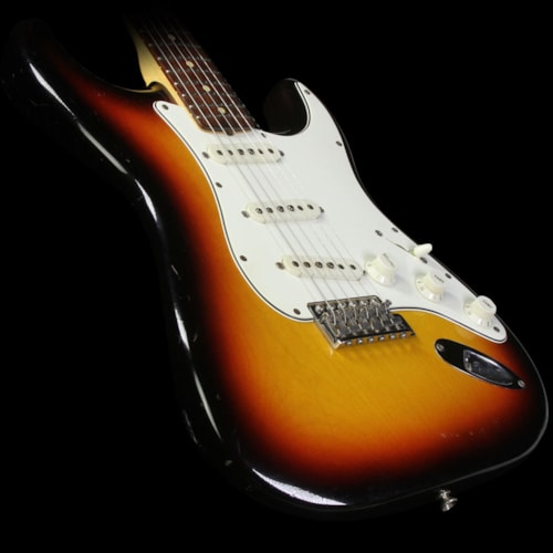 Fender® Custom Shop Used 2006 Fender® Custom Shop '60 Stratocaster® Closet Classic Electric Guitar 3-Tone Sunburst