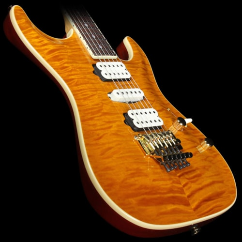 Suhr Standard Carve Top Quilt Maple Electric Guitar Transparent Caramel