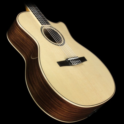 Taylor 814ce-N Grand Auditorium Nylon-String Acoustic/Electric Guitar Natural