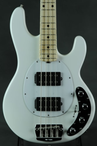 ERNIE BALL MUSIC MAN Sting Ray HH - White