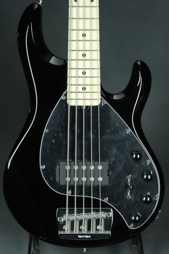 ERNIE BALL MUSIC MAN Sting Ray V - Black
