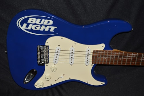 Aria Bud Light Strat®