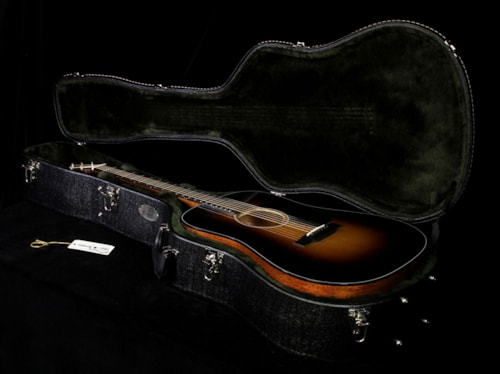 1935 Martin Used Martin D-18 Dreadnought Acoustic Guitar 1935 Sunburst