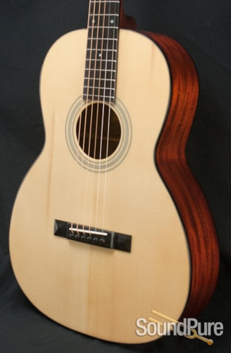 Eastman Guitars E10OO