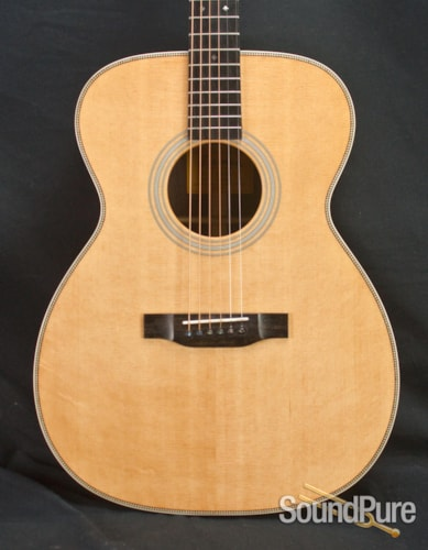 Eastman Guitars E8OM