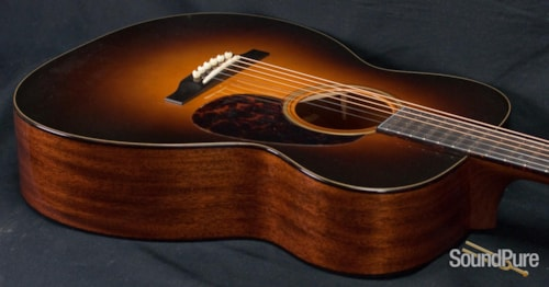 Bourgeois Guitars 00