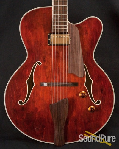 Eastman Guitars AR403CE