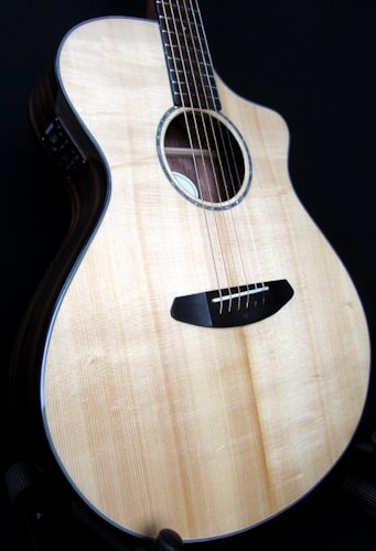 2016 Breedlove Pursuit Concerrt CE Ebony