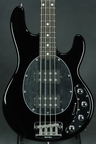 ERNIE BALL MUSIC MAN Sting Ray HH - Black