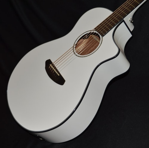 2016 Breedlove Pursuit Concert White