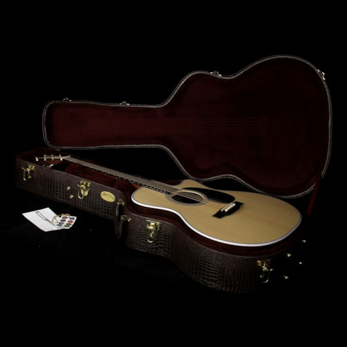 Martin Used Martin GPC-28E Rosewood Acoustic-Electric Guitar Natural