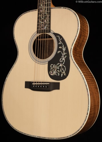 Martin Custom Shop 000 Tree of Life Claro Walnut (943) Custom Shop 000 Tree of Life Claro Walnut