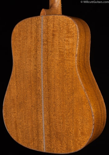 Martin  Custom Shop D-28 Adirondack Flamed Mahogany Hide Glue (792) Custom Shop D-28
