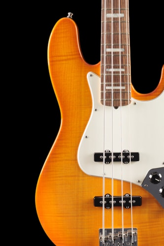 Fender® Select Jazz Bass® Amber Burst (693) Select Jazz Bass®
