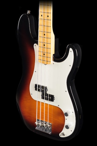 Fender® Select Precision Bass® 2-Color Sunburst (701) Select Precision Bass®