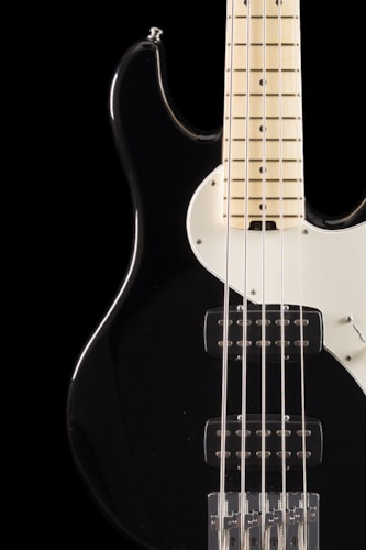 Fender® American Deluxe Dimension™ Bass V HH Black (497) American Deluxe Dimension™ Bass