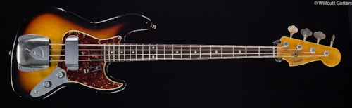 Fender® Custom Shop 1960 Journeyman Jazz Bass® Aged 3-Tone Sunburst (612) Custom Shop 1960 Journeyman Jazz Bass®