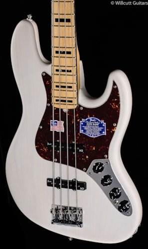 Fender® American Deluxe Jazz Bass® White Blonde, Maple (438) American Deluxe Jazz Bass®