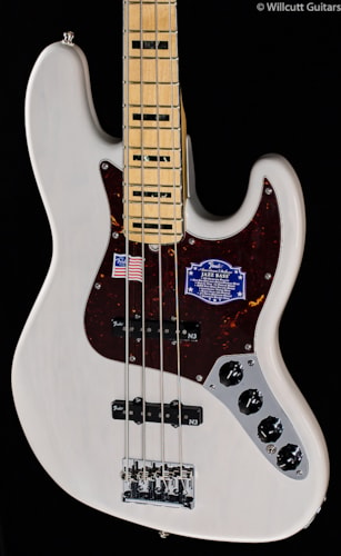 Fender® American Deluxe Jazz Bass® White Blonde, Maple (286) American Deluxe Jazz Bass®