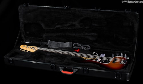 Fender® American Deluxe Precision Bass® Rosewood 3-Color Sunburst (550) American Deluxe Precision Bass®
