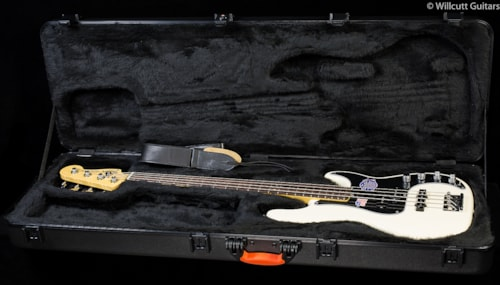 Fender® American Deluxe Precision Bass® Olympic White, Rosewood (058) American Deluxe Precision
