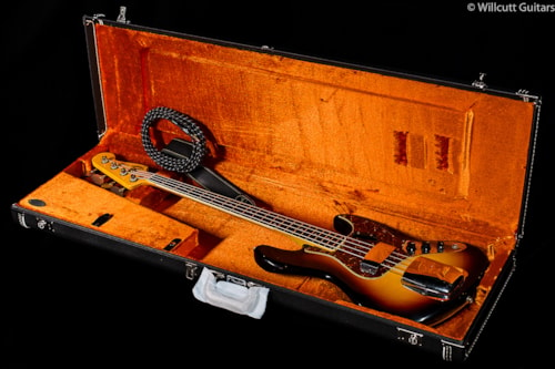 Fender® Custom Shop 1966 Journeyman Relic® Jazz Bass® 3-Color Sunburst (680) Custom Shop 1966 Journeyman Relic® Jazz Bass®