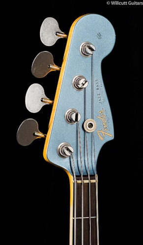 Fender® Custom Shop 1966 Journeyman Relic® Jazz Bass® Ice Blue Metallic (861) Custom Shop 1966 Journeyman Relic® Jazz Bass®