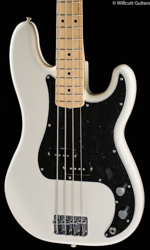 Fender® Dee Dee Ramone Precision Bass® Olympic White (403) Dee Dee Ramone Precision Bass®