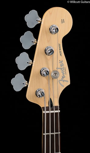 Fender® Deluxe Active Jazz Bass® Vintage White (444) Deluxe Active Jazz Bass®