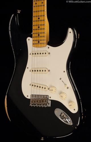 Fender® Custom Shop 1957 Stratocaster® Black Relic® (480) Custom Shop 1957 Stratocaster®
